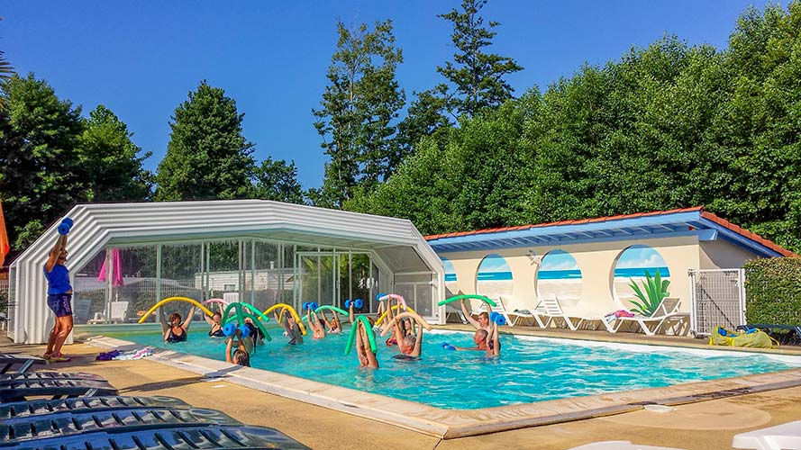 large swimming pool camping landes