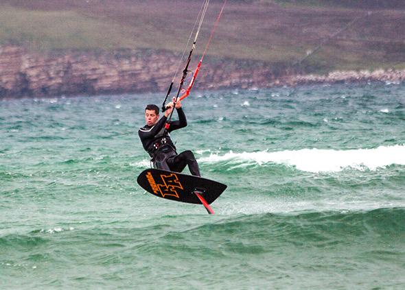 kitesurf on Lake Biscarrosse